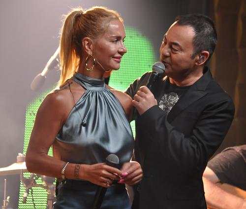 Sahne Antalya'da Serdar Ortaç Konseriyle Açıldı