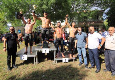 Adapazarı Karedere Mahallesi Yağlı Güreş  Festivali Büyük İlgi Topladı